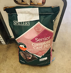 Animal Feed Senior Complete Care Mix for Sale evesham